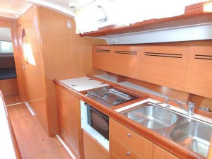 full_size_BeneteauCyclades50.4_sail_boat_rent_charter_in_Greece_galley